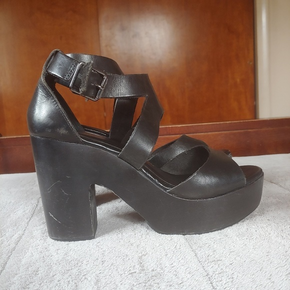 Chinese Laundry Shoes - Chinese laundry black ocean avenue sandal